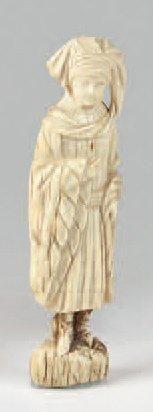 Petit sujet en ivoire sculpté du XIXe siècle....