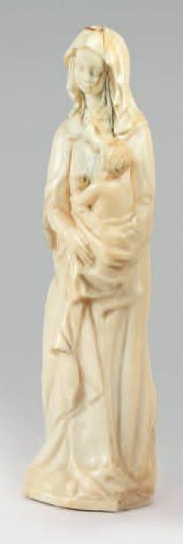 Petite vierge à l'Enfant en ivoire sculpté...