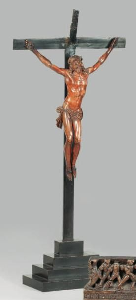 Grand Christ en buis sculpté du XVIIe siècle....