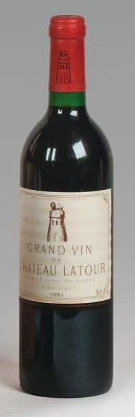 2 Bouteilles CH. LATOUR, 1° cru Pauillac...