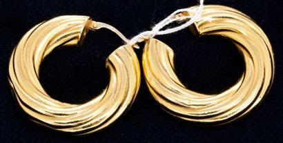 Paire de créole en or jaune  8,9 g.