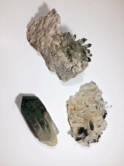 Lot de trois jolis QUARTZ chloriteux (La...