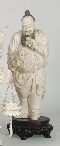 Original sujet en ivoire représentant Laozi...
