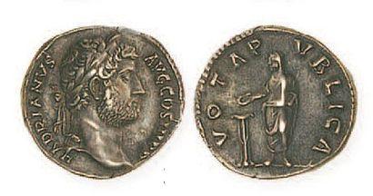 HADRIEN (117- 138). Denier. R /Hadrien sacrifiant....