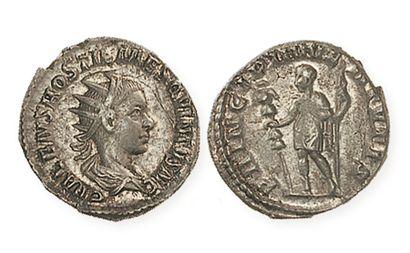 HOSTILIEN (mort en 251). Antoninien. R /Hostilien debout, en habit militaire, tenant...