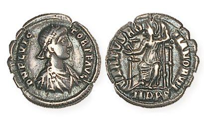 FLAVIUS VICTOR (387 - 388). Silique de Milan....