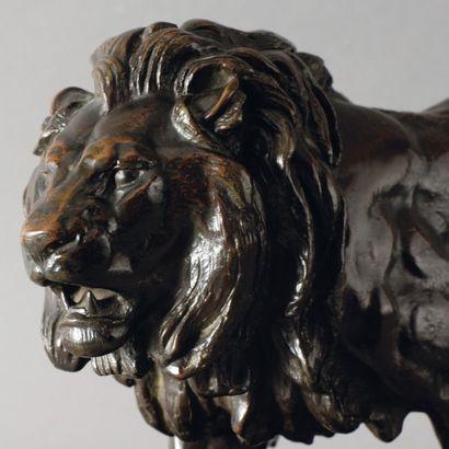 Antoine Louis BARYE Lion qui marche (avec plinthe rectangulaire) Bronze à patine...