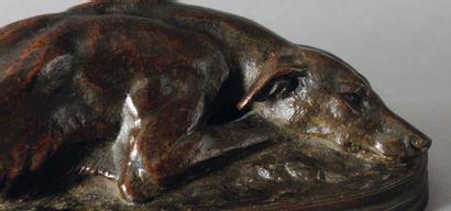 Antoine Louis BARYE Lévrier couché Bronze à patine brun foncé, fonte ancienne Sur...