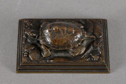 Antoine Louis BARYE Tortue (sur plinthe carrée, réduction) Bronze à patine brune,...