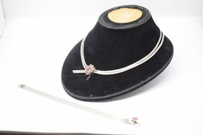 Collier et bracelet en or gris 18K (750)...