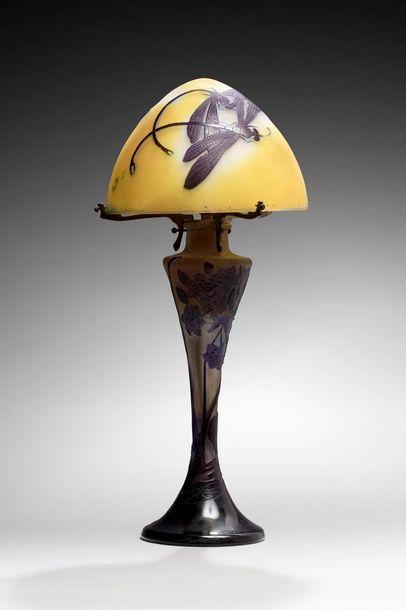 GALLE  Lampe de table à pied balustre à petite...