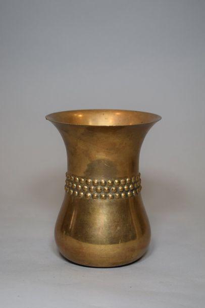 BERNADOTTE DESIGN  Vase à corps conique galbé...