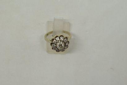 Bague en or gris 18K (750) sertie d'un diamant...