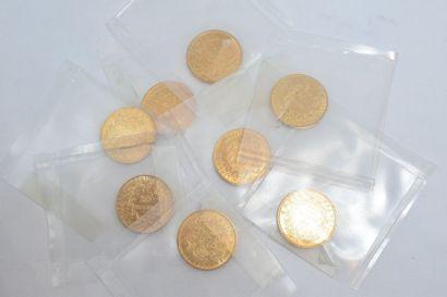 Lot de 8 pièces en or comprenant :  - 20...
