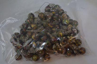 Collier en perles de pâte de verre (Murano),...