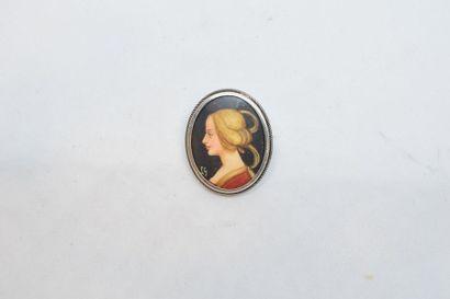 Médaillon en argent (800) orné d'une miniature...
