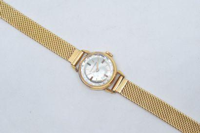 Montre bracelet de dame, boîtier en or jaune...