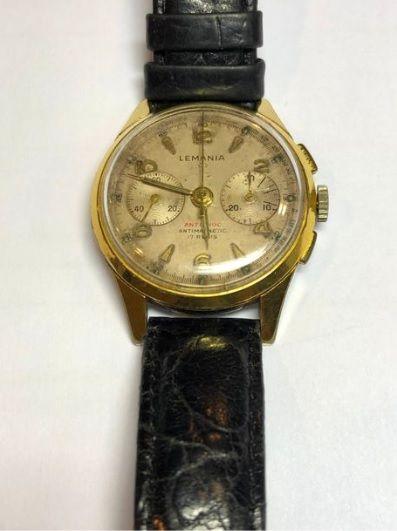 LEMANIA Chronographe bracelet en métal doré....
