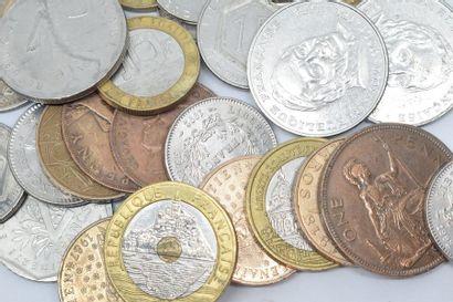 Petit ensemble de pièces de monnaie européennes majoritairement France XXème.