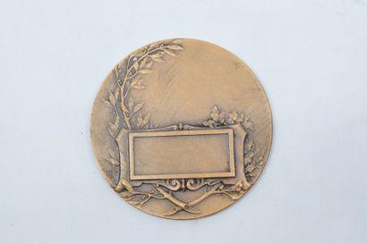 [ ARTHUS BERTRAND ]  Médaille en bronze représentant un buste d'homme.  Signé Jean...