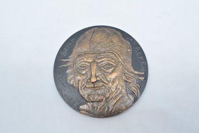 [ ARTHUS BERTRAND ] Médaille en bronze à...