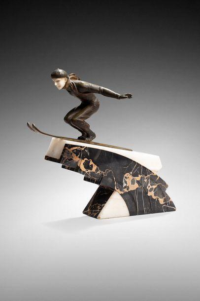 Jean JACQUEMIN (1894-1941)  « Saut à ski ». Sculpture chryséléphantine à tête en...