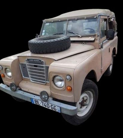 LAND ROVER 88 SERIES III 1973 - Découvrable...