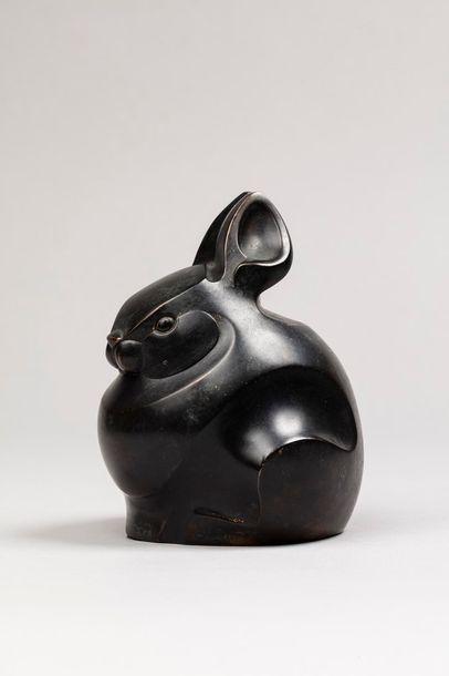 TESSIER Aurore, XXe siècle  Lapin  bronze à patine noire (usures à la patine), n°4/8...