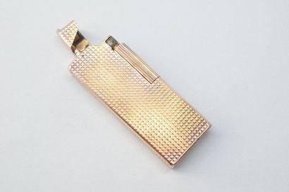 Briquet en argent doré à décor de pointes...
