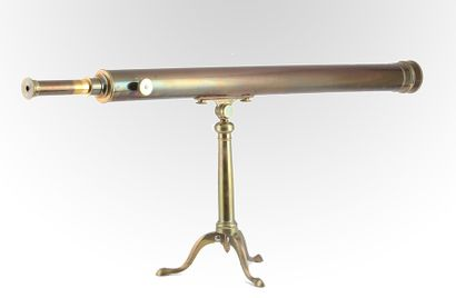 Gilded copper telescope on Chippendale style...