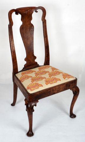 Chaise en bois naturel d'époque Queen Anne,...