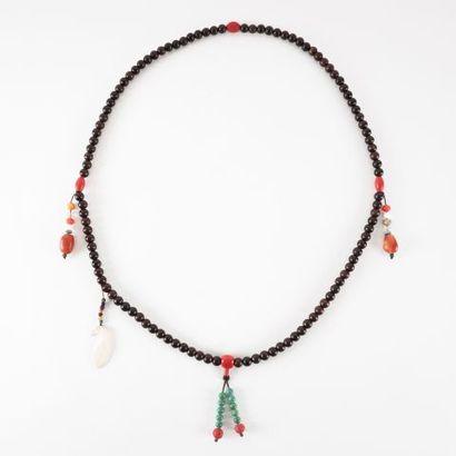 Collier de cérémonie sino-tibétaine en cire...