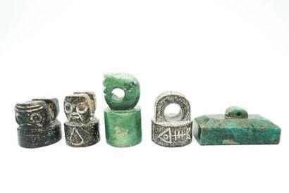 Ensemble de 5 petits sceaux archaïsants en...