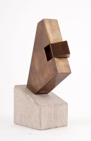 LORCINI, Gino (1923-)  Prisme  Bronze à patine...