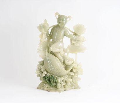 STATUETTE  Statuette en jade de Honan, représentant...