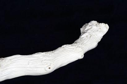 PÉRIODE QING    Sceptre Ruyi, fin de la période Qing, en porcelaine de blanc de...