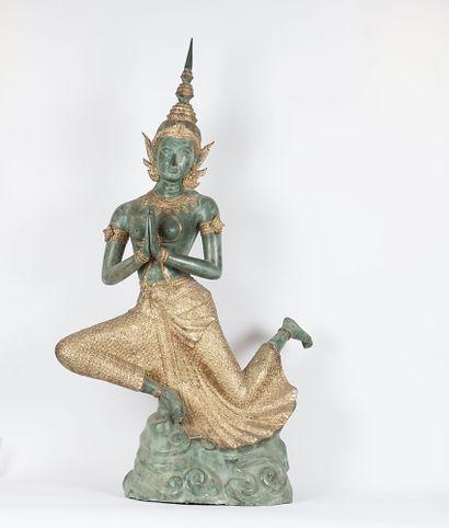Sujet représentant une danseuse du Siam,...