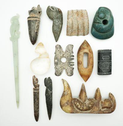 Ensemble d'objets divers en pierres dures,...
