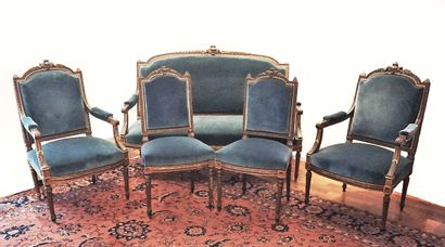 Ensemble de salon style Louis XVI comprenant...