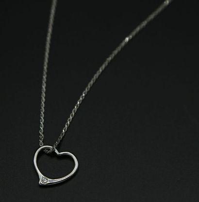 * Chaîne corde et pendentif coeur sertie...