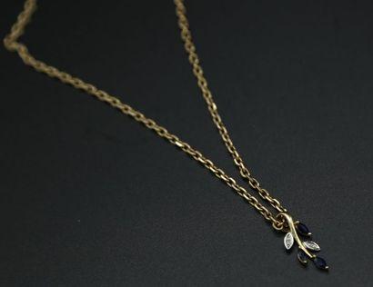 * Chaîne et pendentif en or jaune 750 millièmes,...