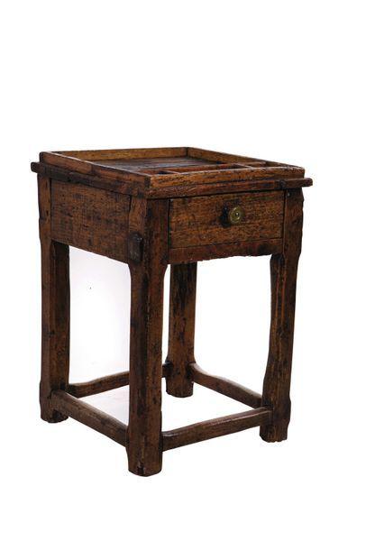 Deux tables de cordonnier du Queyras. XIXème...
