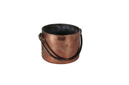 Marmite en cuivre du Trianon avec anse en...