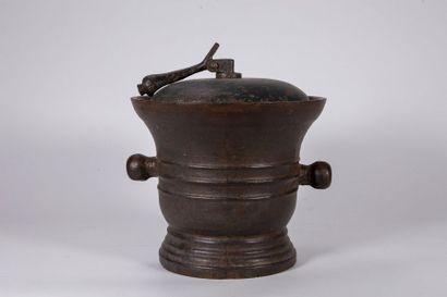 Mortier en fonte de fer XVIIIe siècle Hauteur...