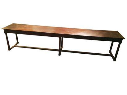 Longue table de communauté en chêne ouvrant...