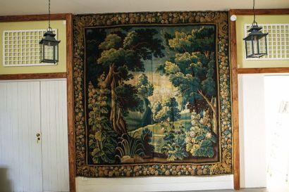 Tapisserie en laine à décor de verdure et...
