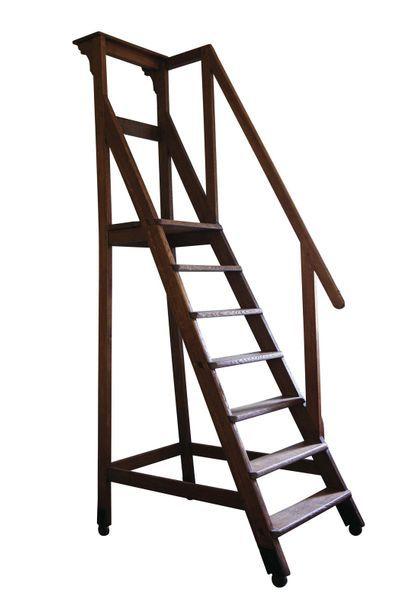 Escalier de bibliothèque à roulettes en bois...