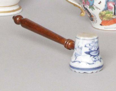 Bayeux Marteau presse en porcelaine à décor...