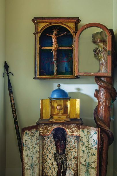 Crucifixion en bois sculpté et polychromé...