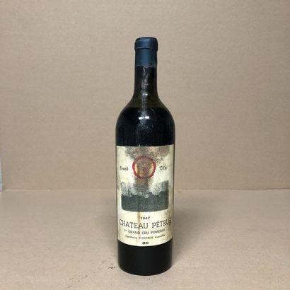 1 bouteille CHÂTEAU PETRUS 1947 (niveau bas,...